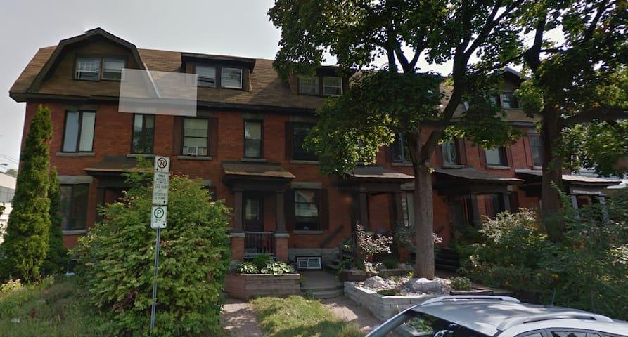 Furnished five (5)-bedroom-Glebe Area, Carleton U.
