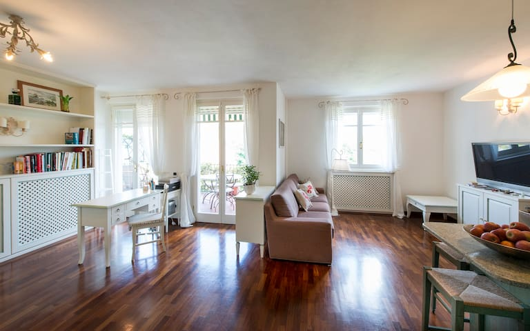 Luxurious 3 bedroom, with pool, 7 min from the sea