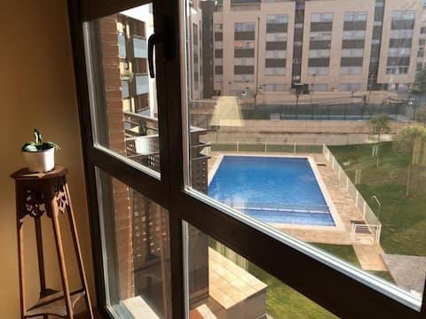 New & large flat in Logroño, Rioja. Wifi. Parking.