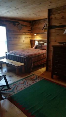 Adirondack Room on the Lake - Essex - Bed & Breakfast