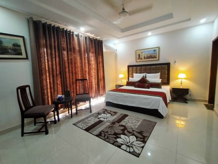 Kingswood Luxury Hotel Gulberg - Suite Rooms