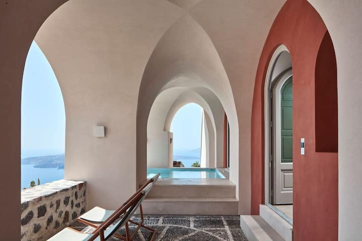 GRVBSAN401-1  Villa with private Jacuzzi and views