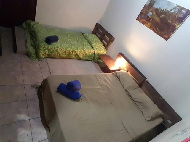 Habitación3 céntrica Alajuela con Desayuno incluid