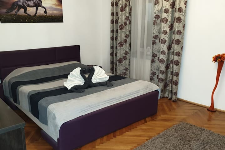 Mountidi Central Apartment