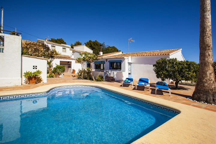 TOSSALET - Typical mediterranean style villa for 6 people in Benissa