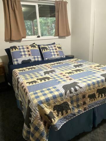 Bedroom #2 Queen bed, brand new mattress.
