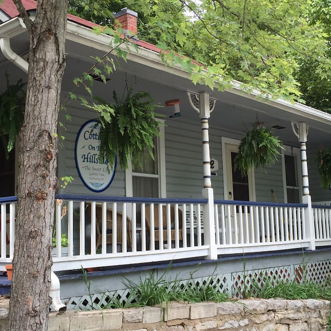"""Cottage On The Hillside an 1885 Luxury Cottage for your weekend """"get away""""!"""