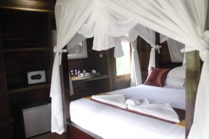 On Budget Room Hut incl b'fast @ Lembongan
