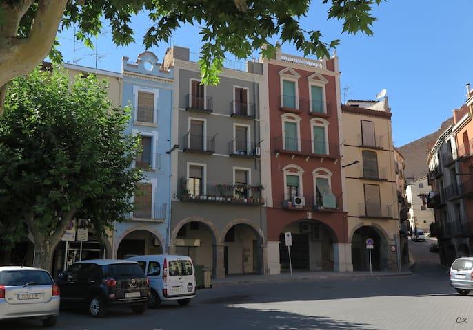 El edificio histórico completamente rehabilitado donde se encuentra el apartamento
