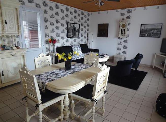 Agreable maison dans quartier calme - L'Aiguillon-sur-Mer - House