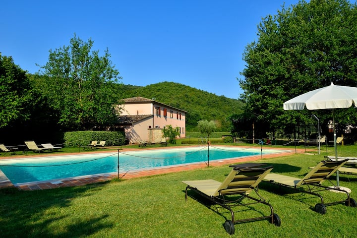 Olive Apartment, 7 km from Perugia