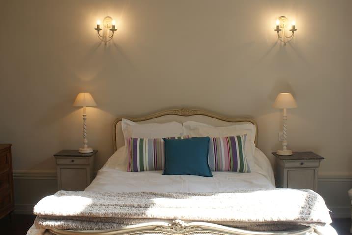 chambre pt dej dans château, Nantes et Puy du fou - Saint-Germain-sur-Moine