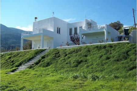 Cozy Villa at Lemon Forest - Poros