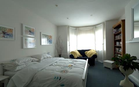 私人寬敞的公寓,適合自我隔離的需求。