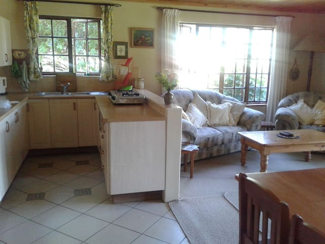 Froggy Hollow self catering unit - Howick