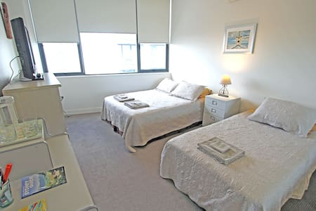 Close to Airport and CBD with Secure Parking