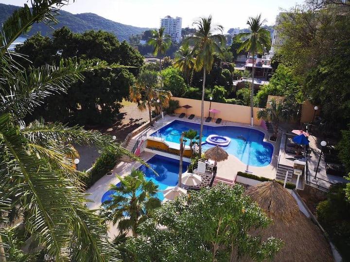 Apartment with pools and ocean view Acapulco