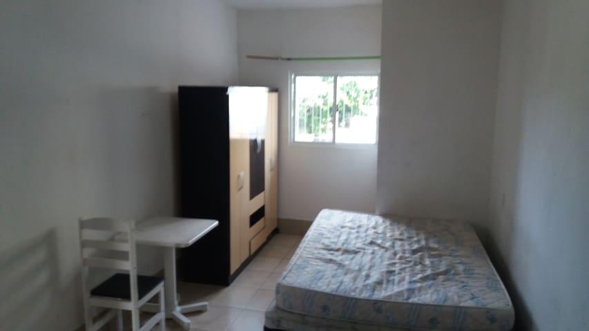 Kitnet mobiliada jardim atlântico - Florianópolis - Apartamento