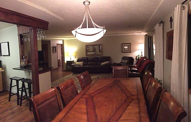 GORGEOUS MANITO RANCHER (One Level) - Spokane - บ้าน