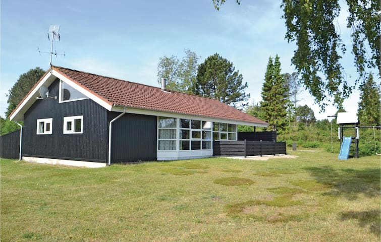 Holiday cottage with 3 bedrooms on 122 m² in Glesborg