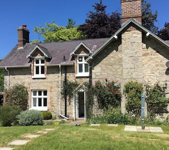Secluded Country Cottage - Abergele - Talo