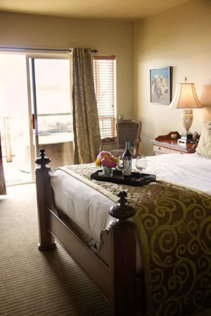 Camano Island Inn, Room 3