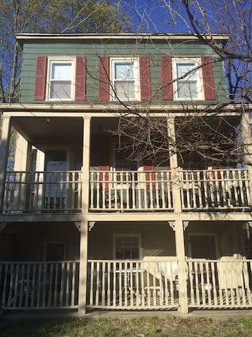 Historic home in cold spring NY - Cold Spring - บ้าน