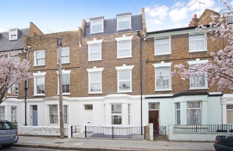 New2bed2bathroom entire apartment W6 Hammersmith