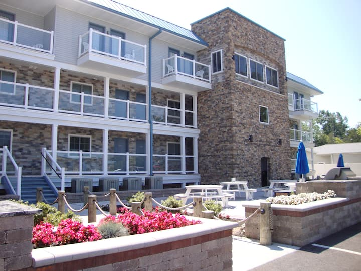 New 4 Bedroom 3 Bath Luxury Condo overlooking the water - Sleeps 12 max C106 - Put-in-Bay Waterfront Condo #106
