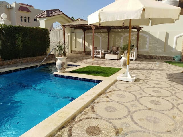 Private apartment with private pool. Very relaxed