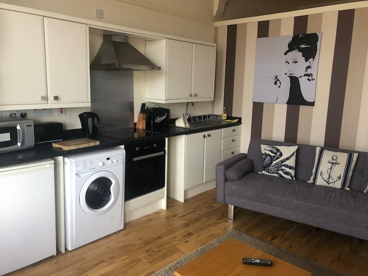 Melvin Lodge Apartments - Dorn Rock View