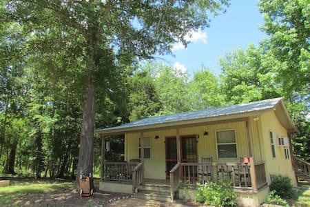 Coyotee Creek Cottage - Lindale
