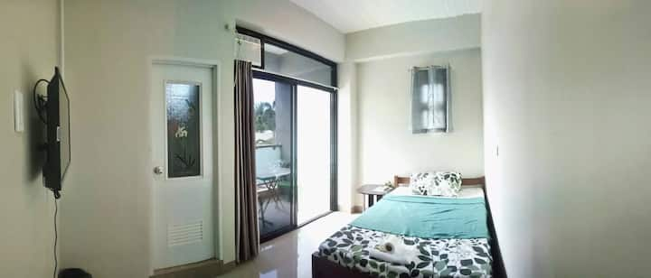 CHED'S Apartelle -Single Room (Good for 2 persons)
