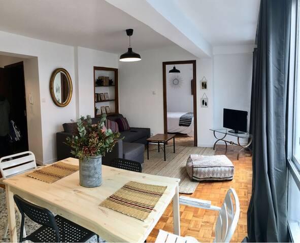 Luminoso Apartamento. Zona plaza de Vigo