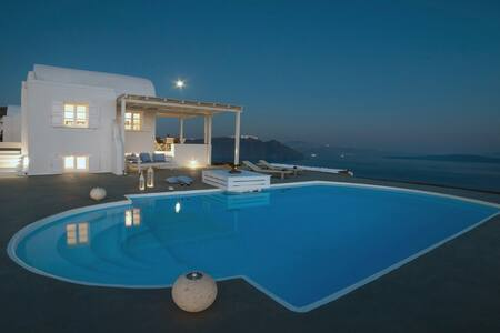 Santorini Paradise Retreat - Finikia - วิลล่า