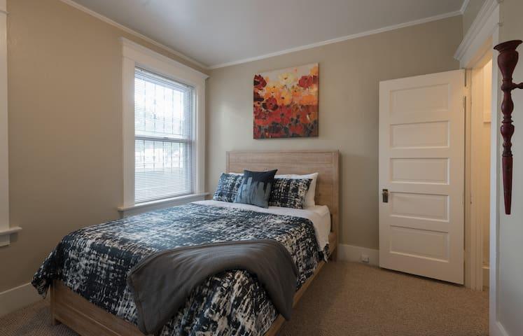 Comfy & Cozy Filled Portland Apartment