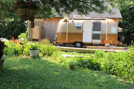 The Niagara Airstream