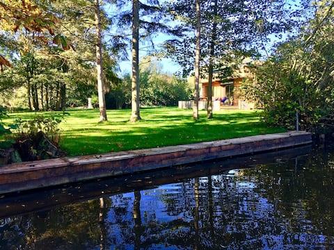 Schönes Ferienhaus am Wasser, Marais Audomarois