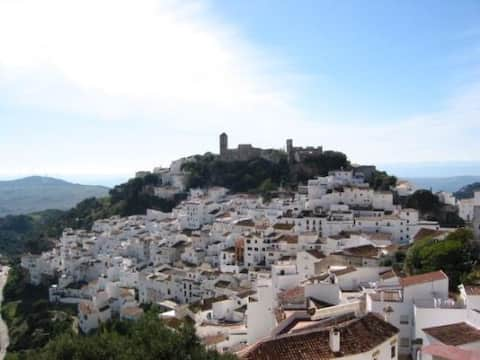 Casares Property with amazing views-
