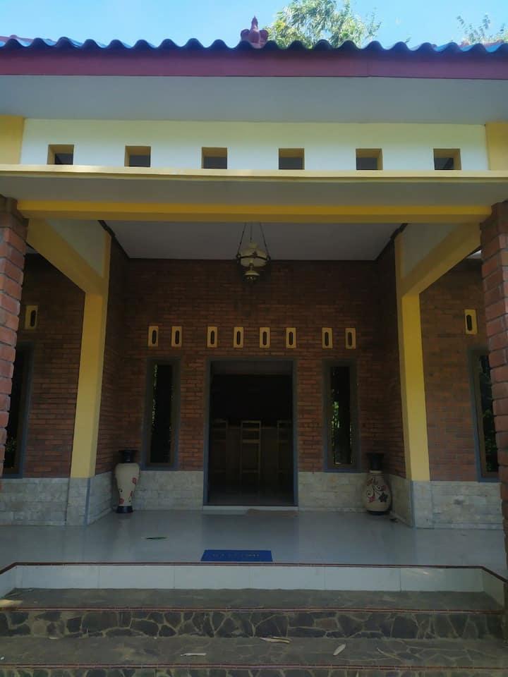 Rumah Kuin Villa Bromo