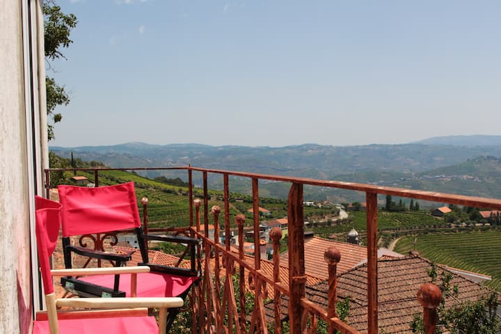 House with 3 bedrooms in Santa Marta de Penaguião, with wonderful mountain view, enclosed garden and WiFi