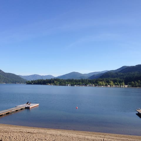 Christina Lake Waterfront with Amazing Views