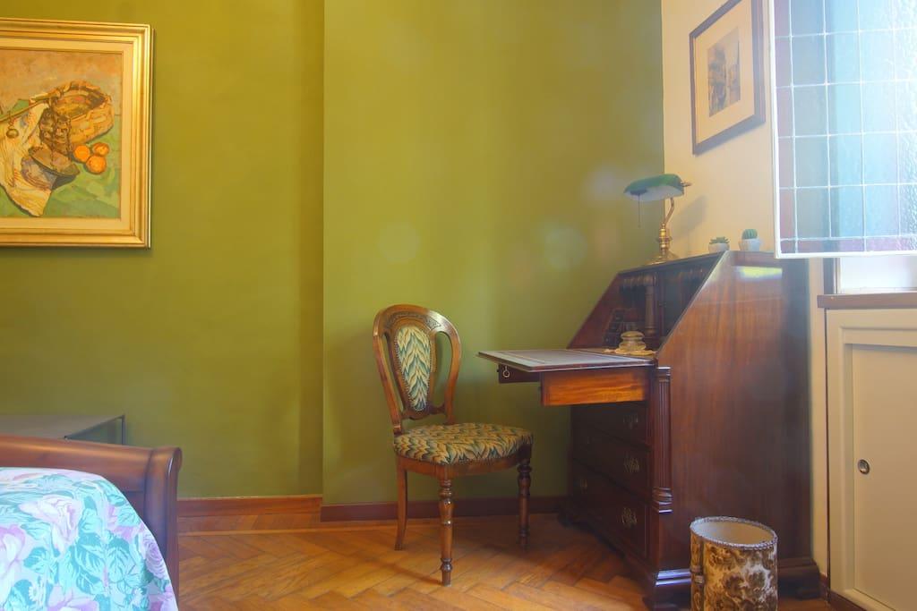 Scrivania camera verde