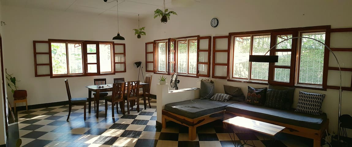 Room in the house of a friendly expat