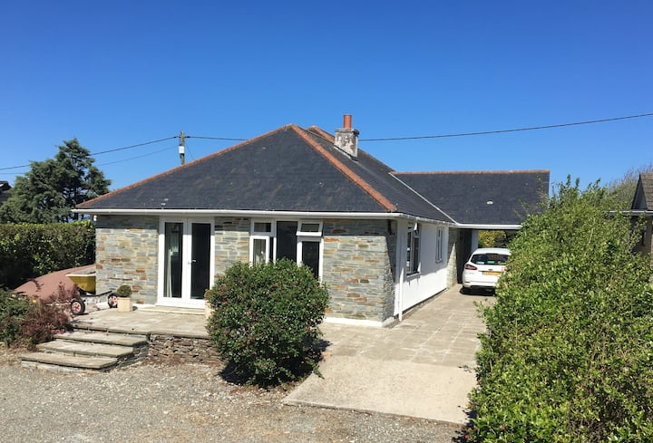 Lovely large bungalow just outside Rock Cornwall