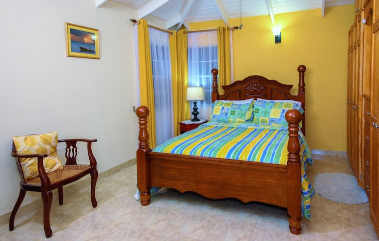 Spacious 1 Bedroom (Self-Contained) Apartment
