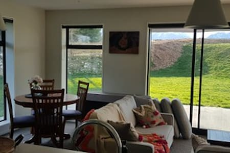 Spacious 2BR Close to Lake Ruataniwha