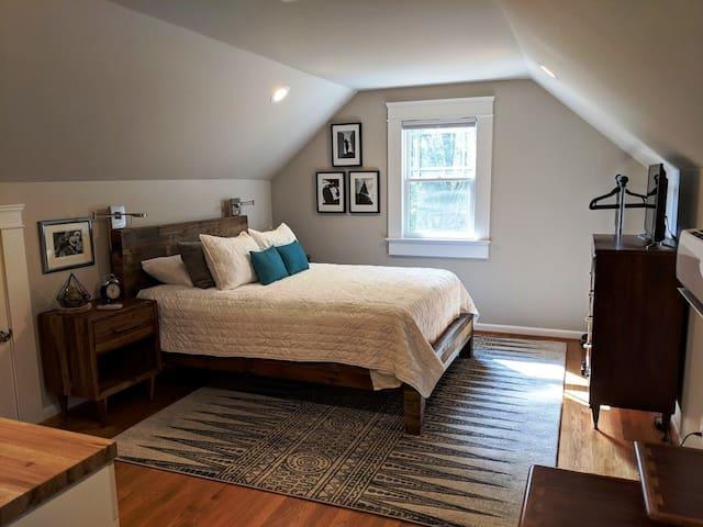 Upstairs bedroom with comfy, memory foam queen mattress