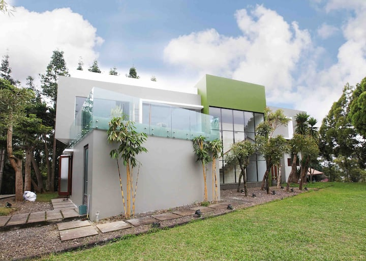 Serenity Villa Dago Cimenyan Bandung TAHURA