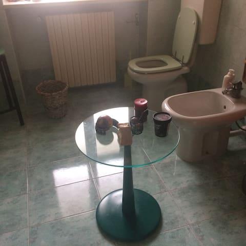 double room,private bathroom, wifi